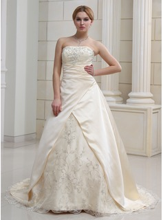 A-Line/Princess Sweetheart Court Train Organza Satin Wedding Dress With Embroidery Beadwork (002011585)
