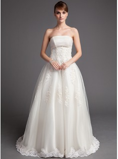 A-Line/Princess Strapless Chapel Train Tulle Wedding Dress With Lace Beadwork