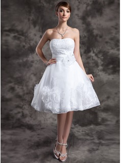 A-Line/Princess Sweetheart Knee-Length Organza Wedding Dress With Lace Beadwork Flower(s)