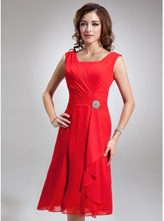 A-Line/Princess Square Neckline Knee-Length Chiffon Bridesmaid Dress With Ruffle Crystal Brooch