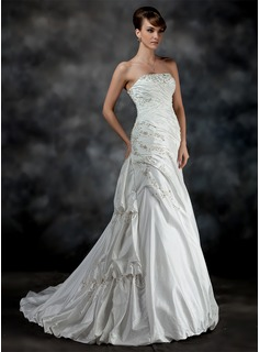 A-Line/Princess Strapless Court Train Taffeta Wedding Dress With Ruffle Beadwork (002017200)