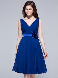 A-Line/Princess V-neck Knee-Length Chiffon Charmeuse Bridesmaid Dress With Ruffle Flower
