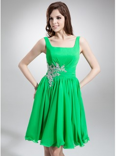 A-Line/Princess Square Neckline Knee-Length Chiffon Homecoming Dress With Ruffle Lace Beading