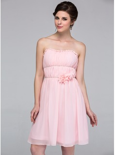 A-Line/Princess Sweetheart Knee-Length Chiffon Bridesmaid Dress With Ruffle Beading Flower(s)