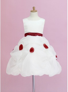 A-Line/Princess Scoop Neck Knee-Length Organza Satin Flower Girl Dress With Ruffle Sash Flower(s)