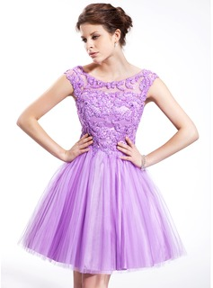 A-Line/Princess Scoop Neck Knee-Length Tulle Charmeuse Homecoming Dress With Beading Sequins