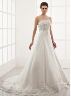 A-Line/Princess Sweetheart Chapel Train Organza Wedding Dress With Embroidery Lace Beadwork