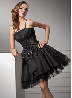 A-Line/Princess Knee-Length Taffeta Tulle Homecoming Dress With Ruffle Bow(s)