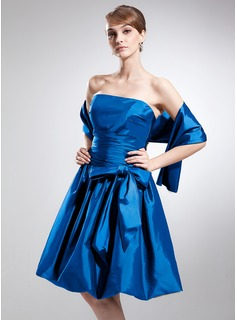 A-Line/Princess Strapless Knee-Length Taffeta Bridesmaid Dress With Ruffle Bow
