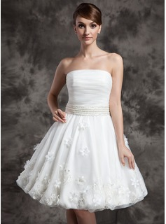 A-Line/Princess Strapless Knee-Length Organza Wedding Dress With Ruffle Beading Flower(s)