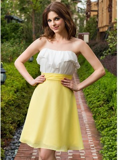 A-Line/Princess Sweetheart Knee-Length Chiffon Bridesmaid Dress With Cascading Ruffles
