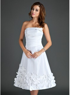 A-Line/Princess Strapless Tea-Length Taffeta Homecoming Dress With Flower(s) (022015561)