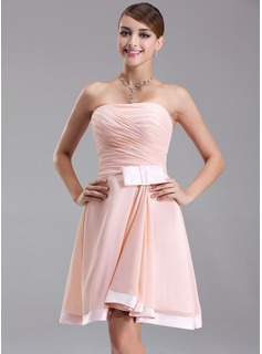 A-Line/Princess Strapless Knee-Length Chiffon Charmeuse Homecoming Dress With Ruffle Bow(s)