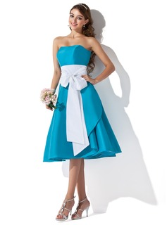 A-Line/Princess Sweetheart Knee-Length Taffeta Bridesmaid Dress With Sash