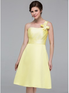 A-Line/Princess One-Shoulder Knee-Length Satin Bridesmaid Dress With Ruffle Beading Flower(s)