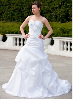 Mermaid Sweetheart Chapel Train Taffeta Wedding Dress With Ruffle Lace Beadwork