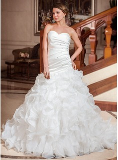 A-Line/Princess Sweetheart Chapel Train Organza Satin Wedding Dress With Ruffle Beadwork Sequins (002012666)