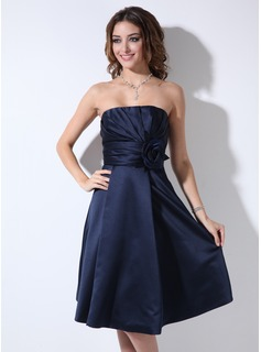 A-Line/Princess Sweetheart Knee-Length Satin Bridesmaid Dress With Ruffle Flower(s) (007006365)