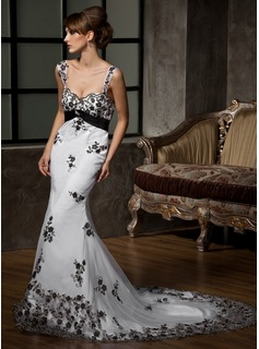 Trumpet/Mermaid Sweetheart Chapel Train Satin Tulle Wedding Dress With Lace Crystal Brooch