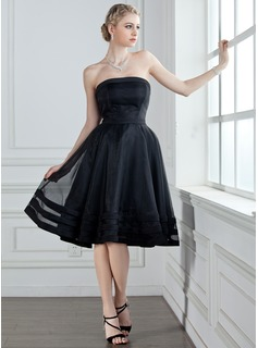 A-Line/Princess Strapless Knee-Length Organza Satin Bridesmaid Dress