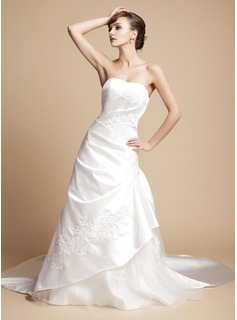 A-Line/Princess Sweetheart Royal Train Satin Tulle Wedding Dress With Ruffle Appliques Lace