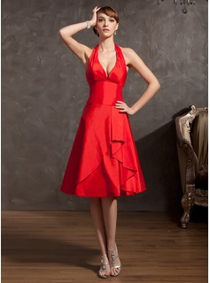 A-Line/Princess Halter Knee-Length Taffeta Homecoming Dress With Ruffle