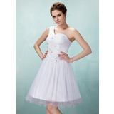 A-Line/Princess One-Shoulder Knee-Length Tulle Homecoming Dress With Ruffle Lace Beading