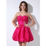 A-Line/Princess Sweetheart Short/Mini Taffeta Cocktail Dress With Ruffle Beading (016005261)