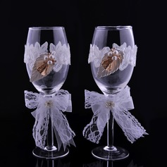 Elegant Toasting Flutes With Rhinestone