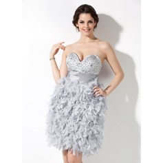 Sheath/Column Sweetheart Knee-Length Taffeta Feather Homecoming Dress With Ruffle Beading
