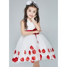 A-Line/Princess Knee-length Flower Girl Dress - Organza Sleeveless V-neck With Flower(s)/Bow(s)