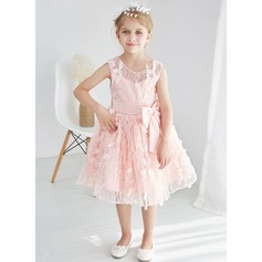 A-Line/Princess Tea-length Flower Girl Dress - Tulle/Lace Sleeveless Scoop Neck With Lace/Bow(s)