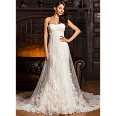 Trumpet/Mermaid Sweetheart Chapel Train Tulle Lace Wedding Dress With Ruffle