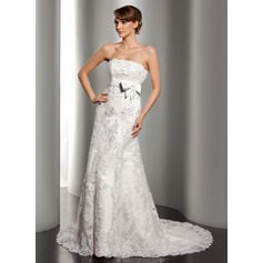 A-Line/Princess Strapless Court Train Tulle Lace Wedding Dress With Beading Sequins Bow(s)