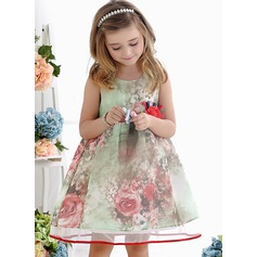 A-Line/Princess Knee-length Flower Girl Dress - Polyester Scoop Neck With Flower(s)
