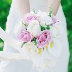 Simple And Elegant Round Artificial Silk Bridal Bouquets