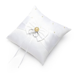 Ring Pillow in Satin With Faux Pearl