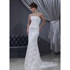 Trumpet/Mermaid Strapless Court Train Chiffon Satin Lace Wedding Dress With Ruffle