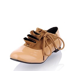 Leatherette Low Heel Closed Toe Flats With Ruched