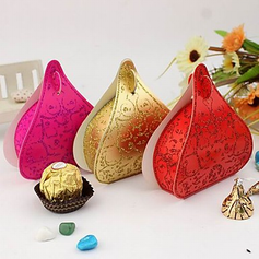 Classic Heart-shaped Favor Boxes