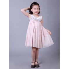 A-Line/Princess Knee-length Flower Girl Dress - Tribute silk/CVC Sleeveless Scoop Neck With Lace/Beading/Appliques