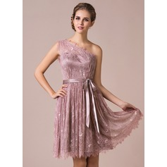 A-Line/Princess One-Shoulder Knee-Length Lace Bridesmaid Dress With Bow(s)