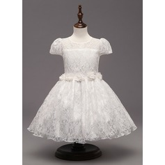 A-Line/Princess Knee-length Flower Girl Dress - Tulle/Polyester Short Sleeves Scoop Neck With Flower(s)