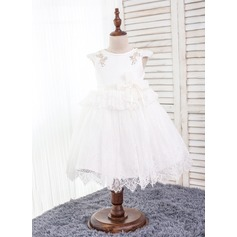 A-Line/Princess Knee-length Flower Girl Dress - Cotton Short Sleeves Scoop Neck With Lace/Bow(s)/Rhinestone