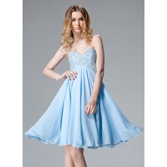 Empire Sweetheart Knee-Length Chiffon Homecoming Dress With Beading Sequins