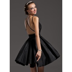 A-Line/Princess V-neck Short/Mini Taffeta Homecoming Dress With Ruffle (022009213)