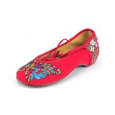 Women's Cloth Others Flats Closed Toe With Applique Lace-up shoes