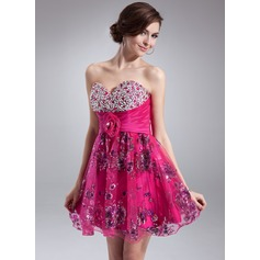 A-Line/Princess Sweetheart Short/Mini Tulle Homecoming Dress With Ruffle Beading Appliques Lace Flower(s) Sequins