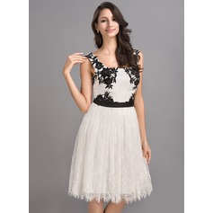 A-Line/Princess Square Neckline Knee-Length Lace Homecoming Dress With Sash