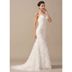 Trumpet/Mermaid Scoop Neck Court Train Lace Wedding Dress With Flower(s)